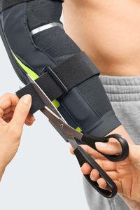 medi Epico active Ellenbogenorthesen anziehen