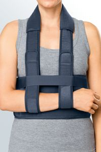 medi Easy sling Schulter-Immobilisations-Orthese fixiert