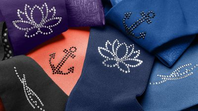 Immerse yourself in the water crystal motifs