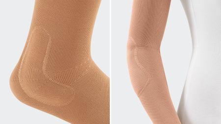 Beispiele vorgefertigter Pelotten der Fuß-Bandage Levamed und der Ellenbogenbandage Epicomed