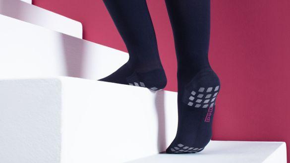 Anti-slip segments for mediven stockings