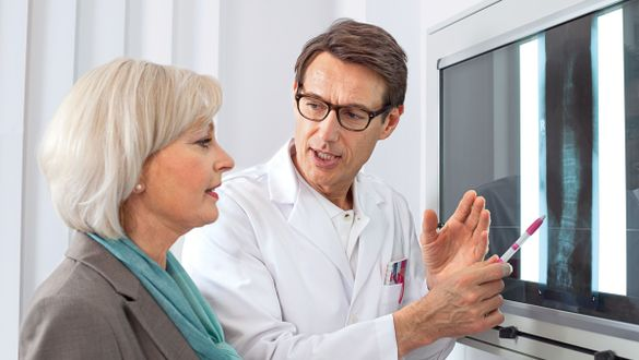 Arzt Beratung Röntgenbild