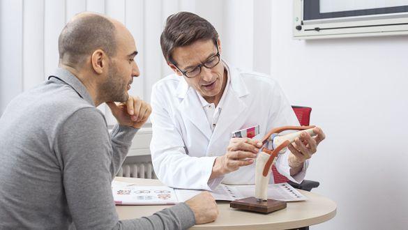 Rheumatologe: Arzt für rheumatische Erkrankungen
