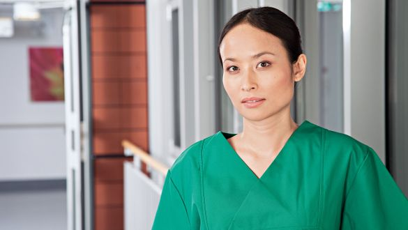 Surgeon: Specialist for surgical treatments