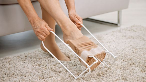 medi Butler: Donning aid for medical compression stockings