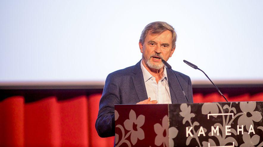 Prof. Dr. med. Eberhard Rabe, ehemaliger Präsident der Internationalen Gesellschaft für Phlebologie, ging in seinem Vortrag auf die Empfehlungen der neuen Leitlinie der Medizinischen Kompressionstherapie ein, darunter die Bereiche Wirksamkeit, Rezeptierung, Kompressionsklassen und -material.