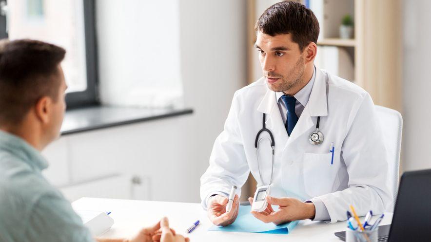 Ihr Arzt berät Sie zu den Therapiemöglichkeiten bei Diabetes