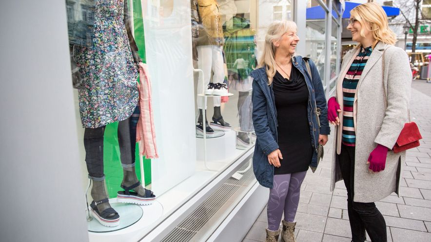 mediven 550 Bein mit dem Fashion-Element Flower am Shopping Tag
