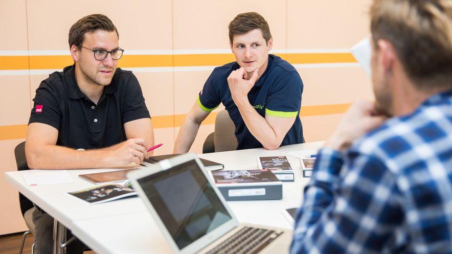 Stephan Siegrist lernt medi´s Produkte kennen