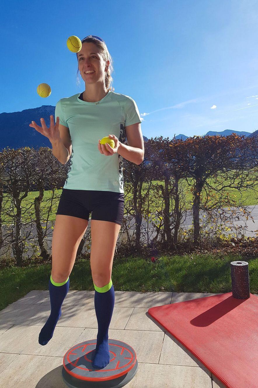 Vanessa Hinz trägt den medi Rehab one während der Rehabilitation ihrer Sprunggelenkverletzung