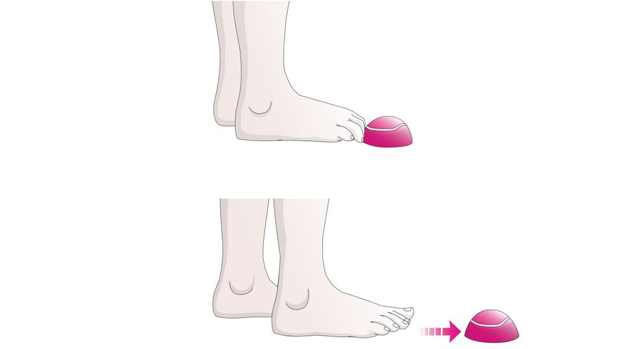 Exercises for the feet: toe caterpillar