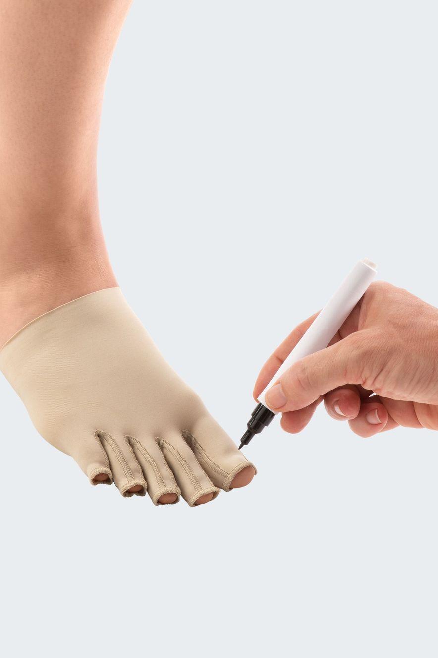 Marking Juxta toe cap