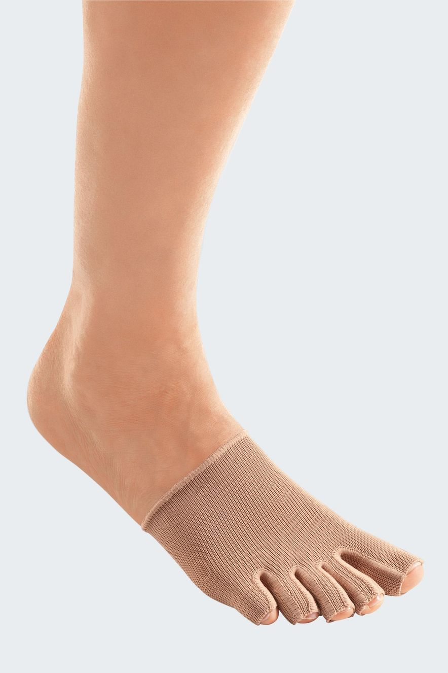 Toe caps with open toes